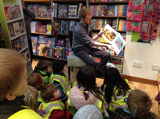 Junior and Senior Infants go to Easons